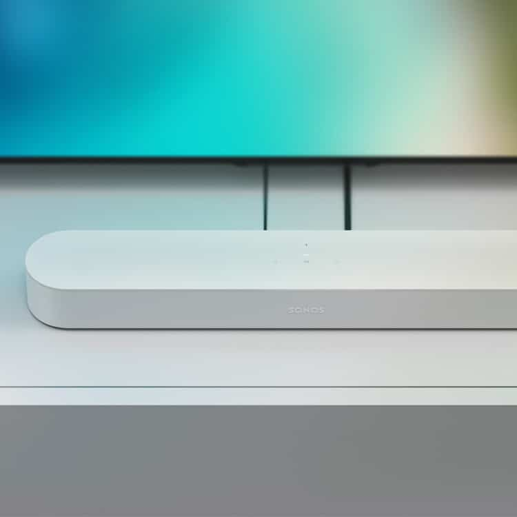 Sonos Beam (wit) soundbar bij televisie